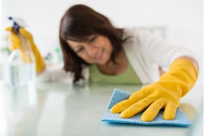 Как чистить кухонный стол