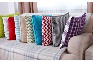 Коли потрібно міняти меблі та текстиль в будинку