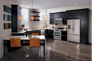 Что лучше – заказать кухню или купить готовую?
