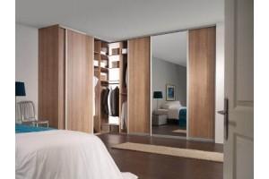 На что обратить внимание при выборе шкафа-купе в спальню