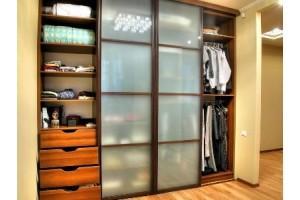 Тонкости при выборе встраиваемого шкафа